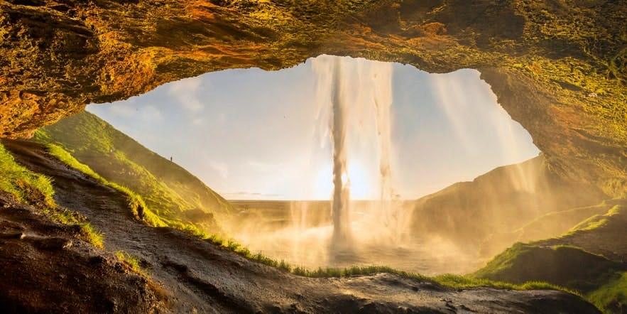 冰島南部塞里雅蘭瀑布 Seljalandsfoss