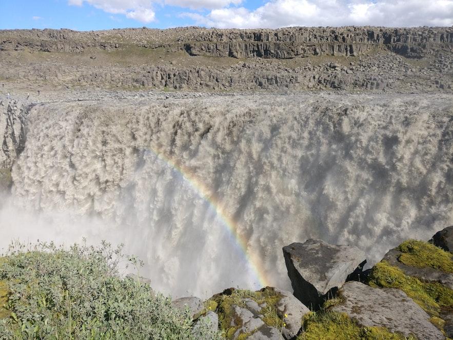 デッティフォスの滝