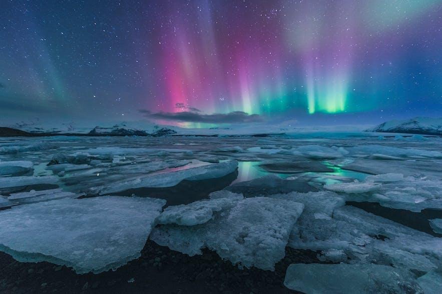 冰島南部傑古沙龍冰河湖極光