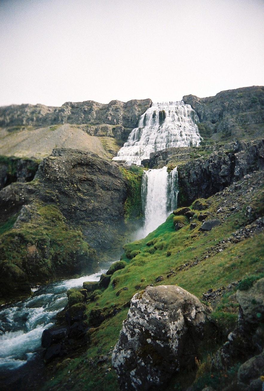 冰岛西峡湾丁坚地瀑布(Dynjandi)