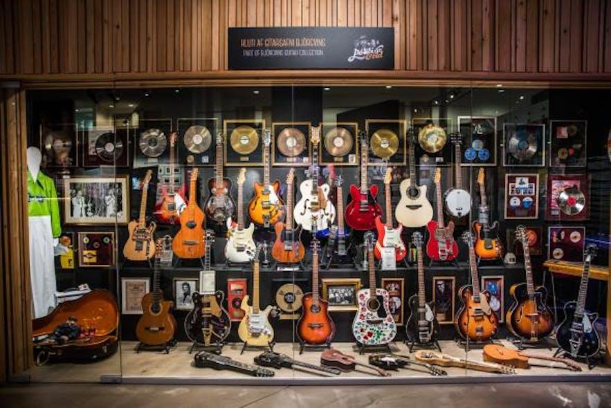 Et udvalg af guitarer, der ejes af den islandske rocklegende Björgvin Halldórsson