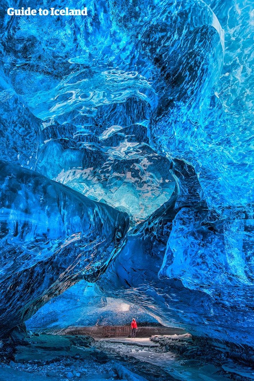 ตัวอย่างว่าน้ำแข็งสีน้ำเงินเป็นอย่างไร