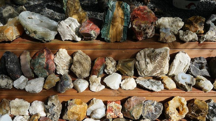 Ljósbjörg Petra María一生中收集了成千上万矿石