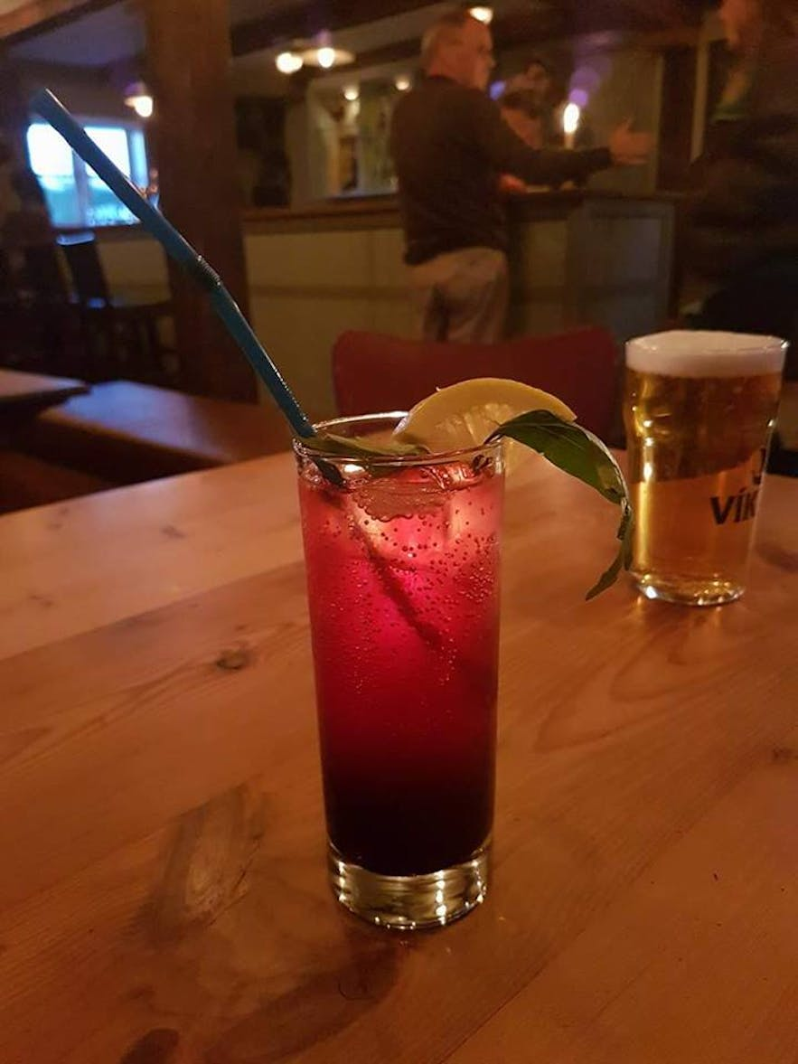 A crowberry drink
