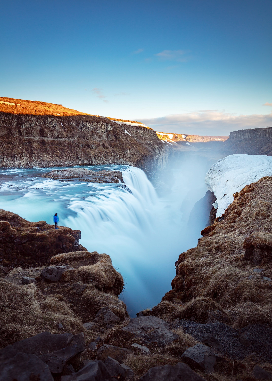 Dzień w Golden Circle - wodospad Gullfoss, park Thingvellir, Geysir