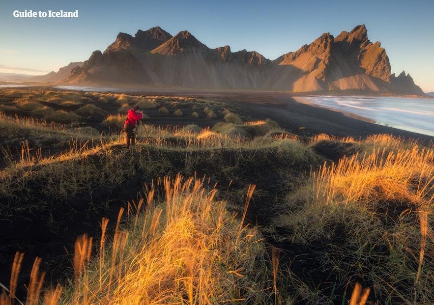 베스트라호른은 아이슬란드에서 가장 아름다운 산악 지대 중 하나로 알려져 있습니다.