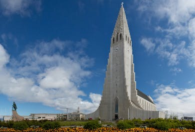 Private Sightseeing Tour of Reykjavik City in a new Mercedes Benz V-class luxury