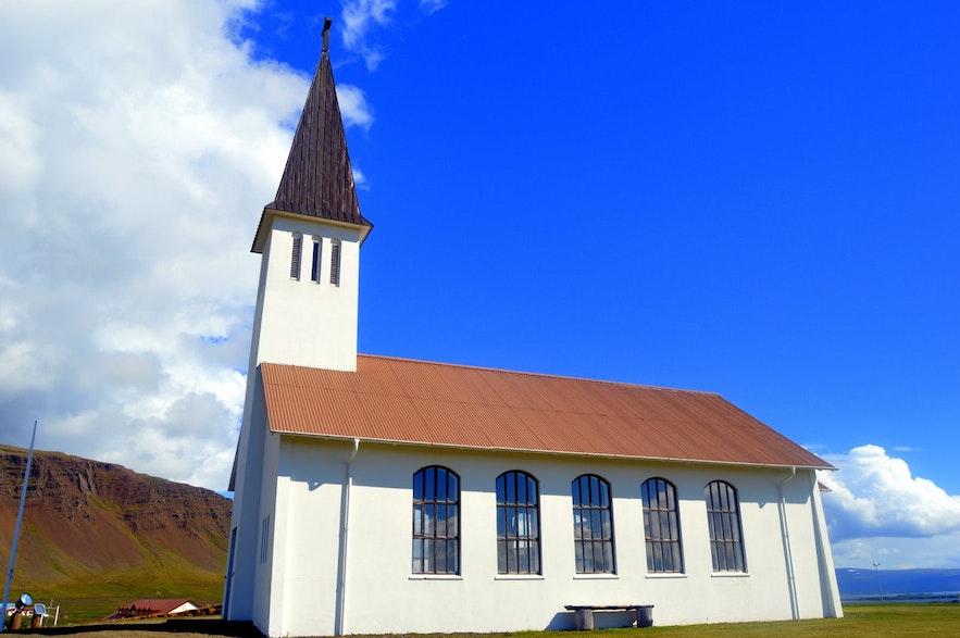 Kościół w Reykholar na islandzkich Fiordach Zachodnich
