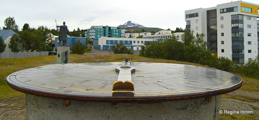 The view-dial at Hamarkotsklappir in Akureyri