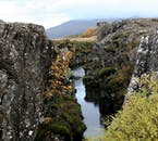 W parku narodowym Thingellir znajduje się jedno z najlepszych miejsc do nurkowania na świecie - szczelina Silfra.