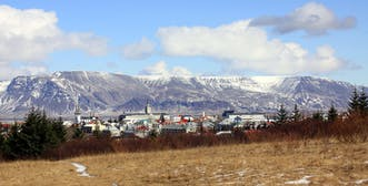 1599px-Reykjavik_Esja.jpg