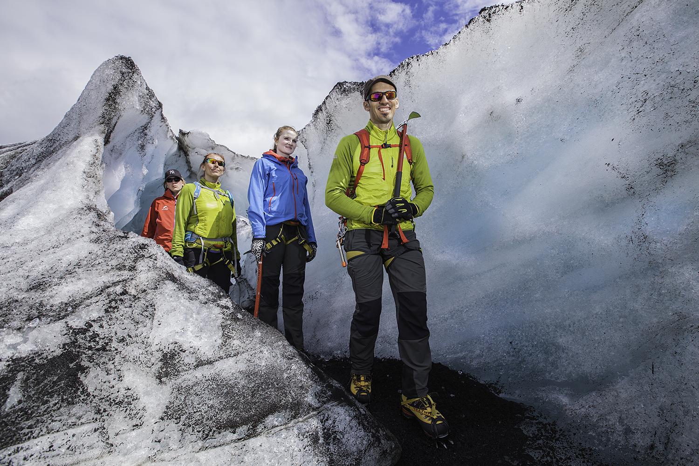 アイスランドの氷河は季節を通し、少しずつ変化している