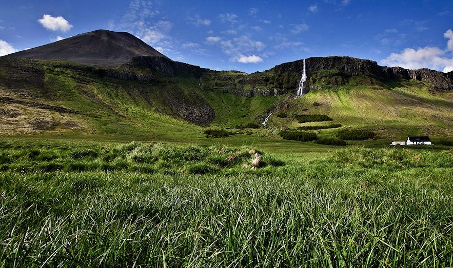 Wodospad Bjarnafoss na półwyspie Snæfellsnes.