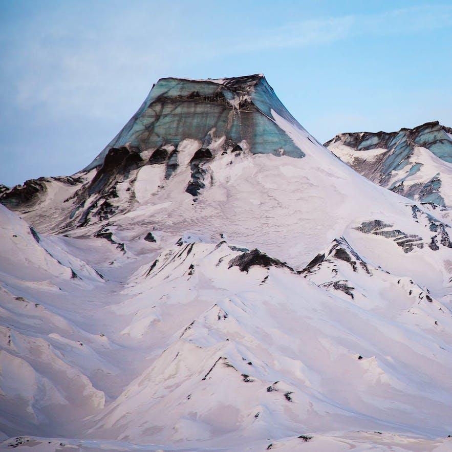 米尔达斯冰川位于冰岛南岸,是冰岛的第四大冰川