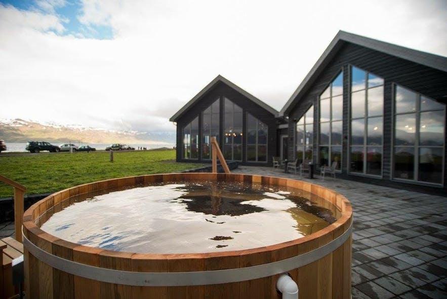 Près d'Akureyri, vous pourrez découvrir la culture de la bière, la culture du spa et la nature en effectuant une visite bière-spa.