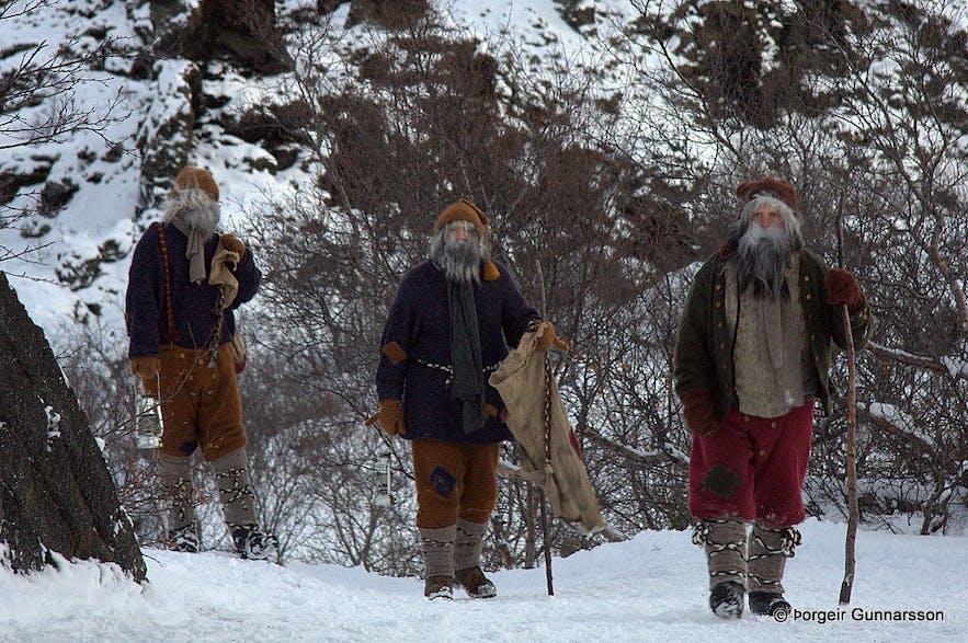 Trois des treize pères Noël
