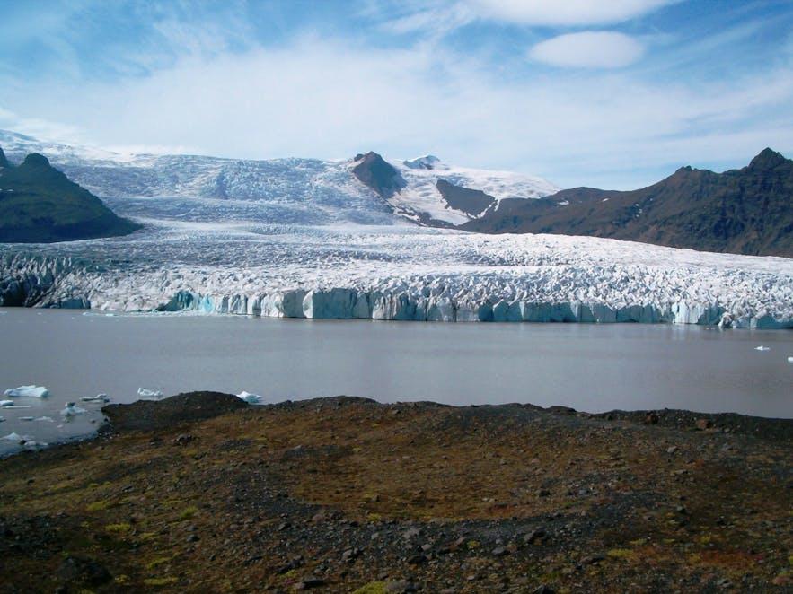 Breiðárlón冰河湖同样美丽非凡