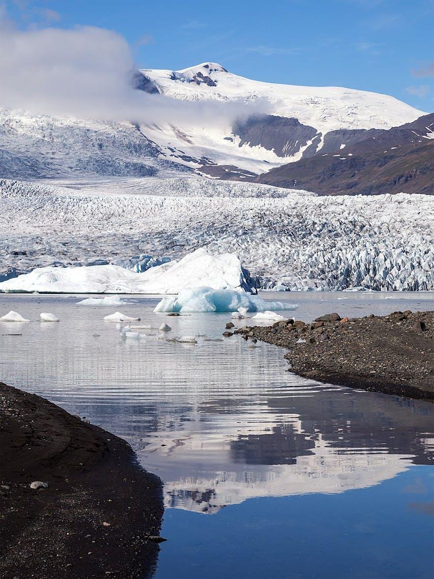 小冰河湖Fjallsárlón很容易抵达