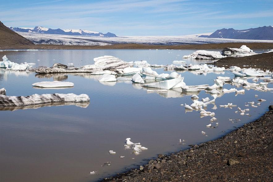 Fjallsárlón, on a day with just a few icebergs.