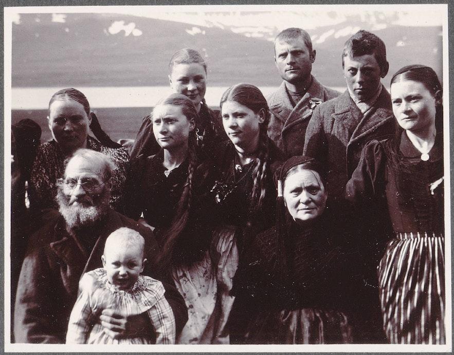 A modern day family from Reykjavík.