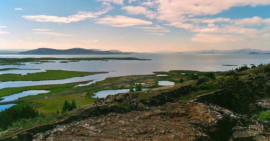 Jezioro Thingvallavatn na Islandii.