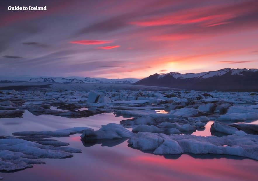 """Die Gletscherlagune Jökulsárlón, """"das Kronjuwel von Island""""."""