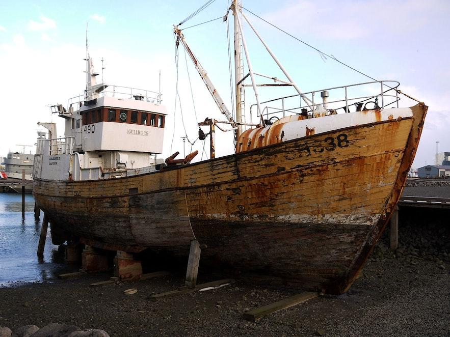 오래된 아이슬란드의 어선