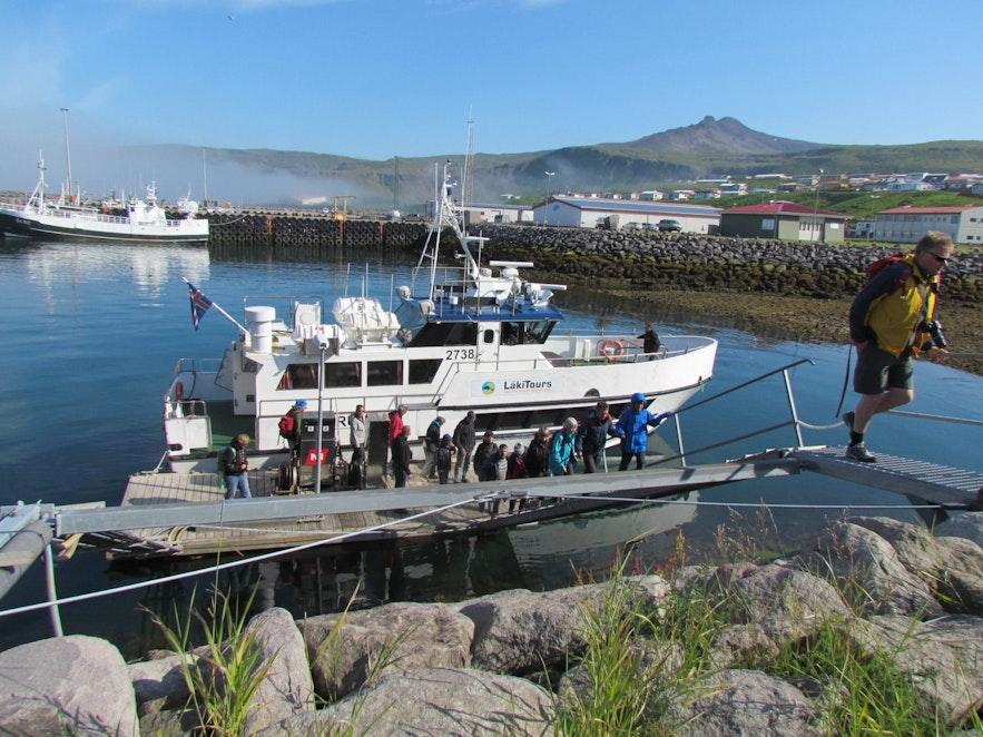 아이슬란드 낚시 투어에 이용하는 일반적인 배