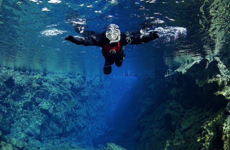 欧美大裂缝浮潜,虽然一年四季皆可参加,但是9月时气温不会太低