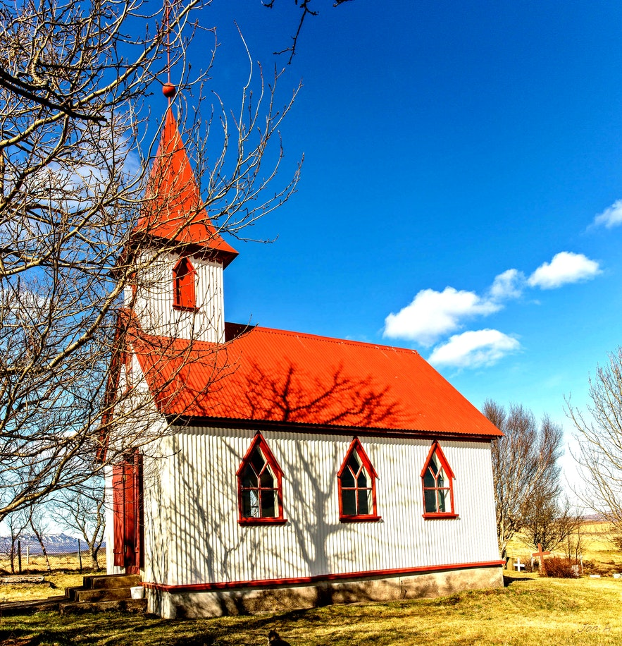 One of Rögnvaldur's more classical designs, a small corrugated iron church with the quintessential red roof