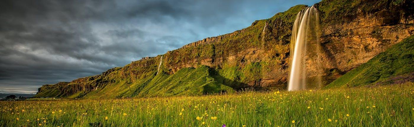 冰岛南岸的塞里雅兰瀑布