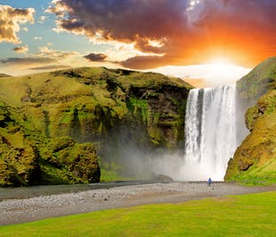 Iceland Classic Circle | 10-Day Minibus Tour