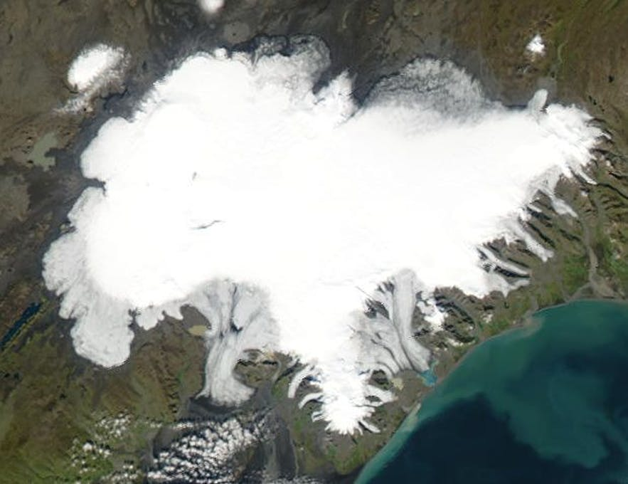 Vatnajökull has numerous glacier tongues extending from it. Bruarjokull is the largest.