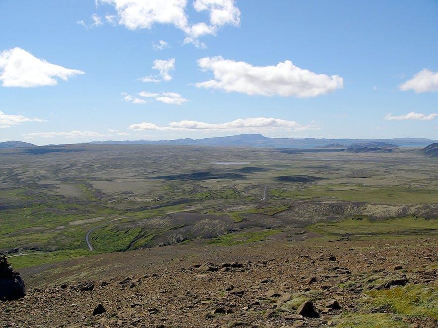 Lyngdalsheiði is between Þingvallavatn lake and Luagarvatn lake in southwest Iceland.