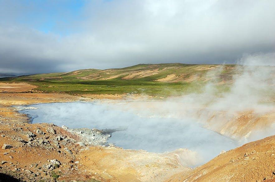 冰岛雷克雅内斯半岛的Seltún地热区仿佛火星地表
