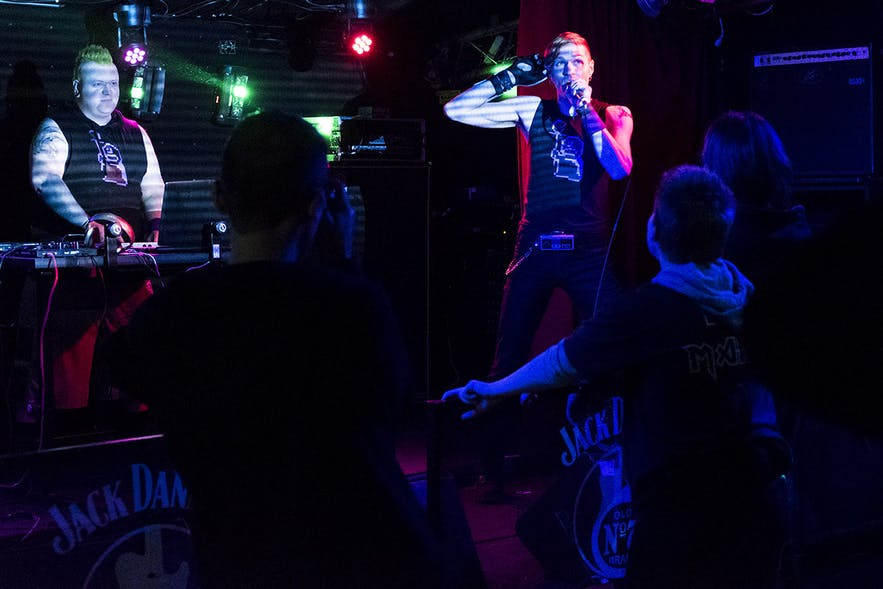 THE GOTHSICLES (USA) zur Goth Night in der Music Bar / Club GAUKURINN in Reykjavik