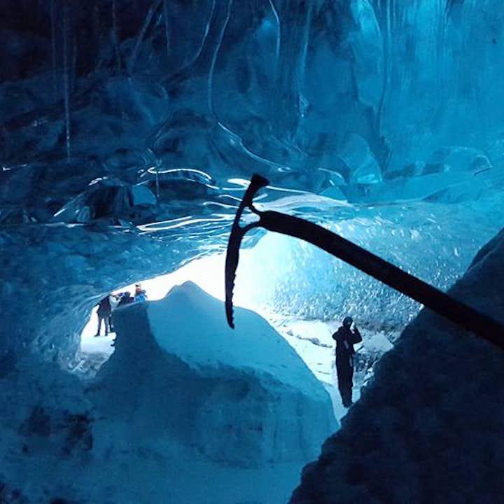Grotte de glacier au Vatnajokull en famille   Départ de Jokulsarlon