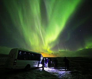 Northern Lights Deluxe   Minibus Tour from Reykjavik