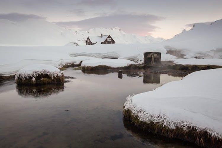 In Landmannalaugar erwartet dich deine Berghütte.