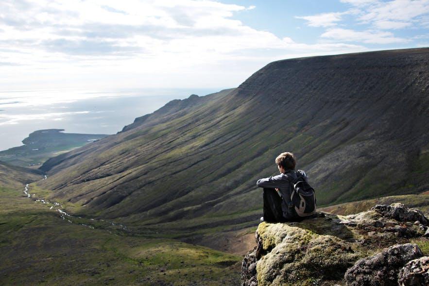 Widok z Góry Esja w kierunku Reykjaviku.