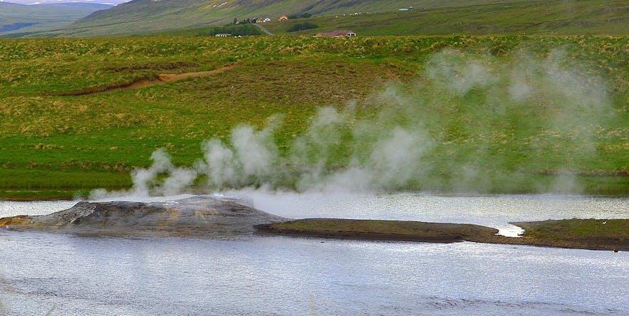 冰岛西部的Árhver与Vellir地热区