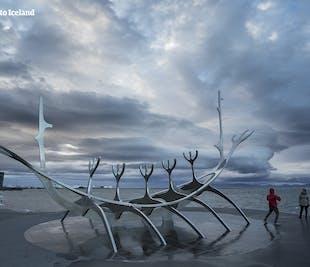 Transfert direct 8 personnes max | Aéroport de Keflavik vers votre hébergement à Reykjavik