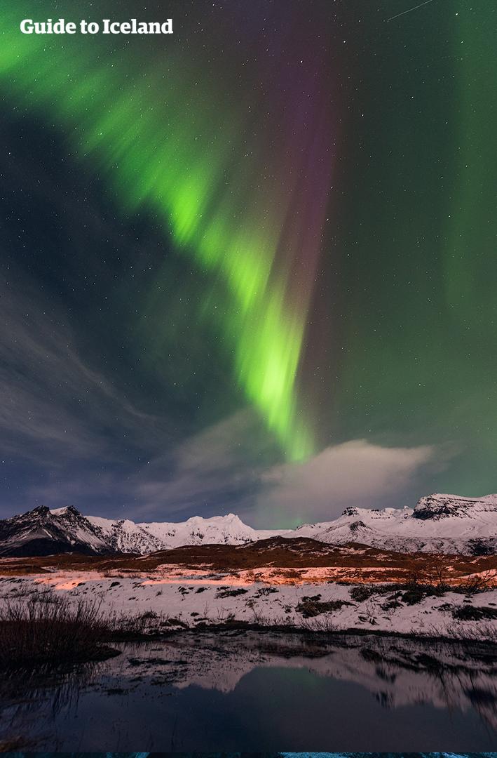 2,5-godzinne polowanie na zorzę polarną z przewodnikiem i wycieczka 4x4 z transferem z Akureyri