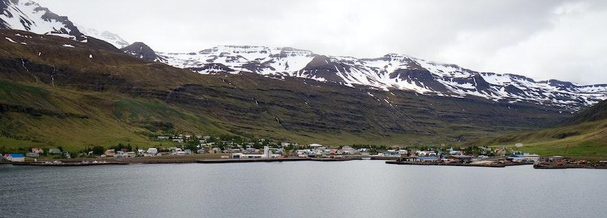 冰島白日夢冒險王小鎮