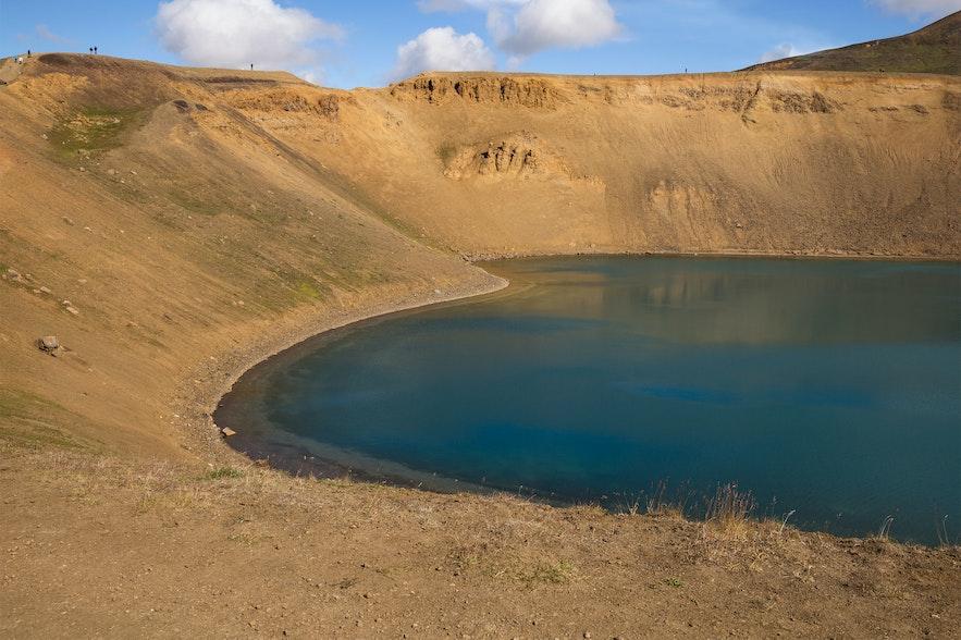 冰島viti火山口湖