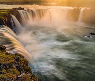 6-stündige Tour | Goðafoss, Námaskarð & Mývatn Naturbäder