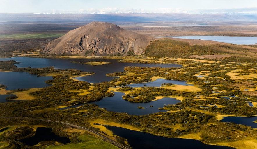 Lac Mývatn dans le nord de l'Islande vu du ciel