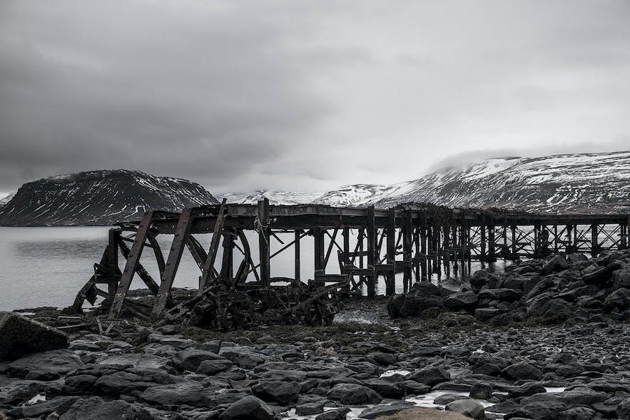 Hvalfjordur - lost places