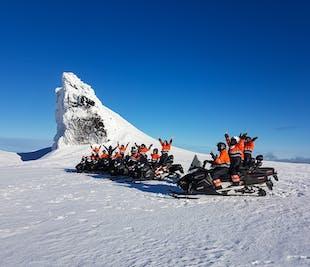Motoneige sur le glacier Eyjafjallajokull