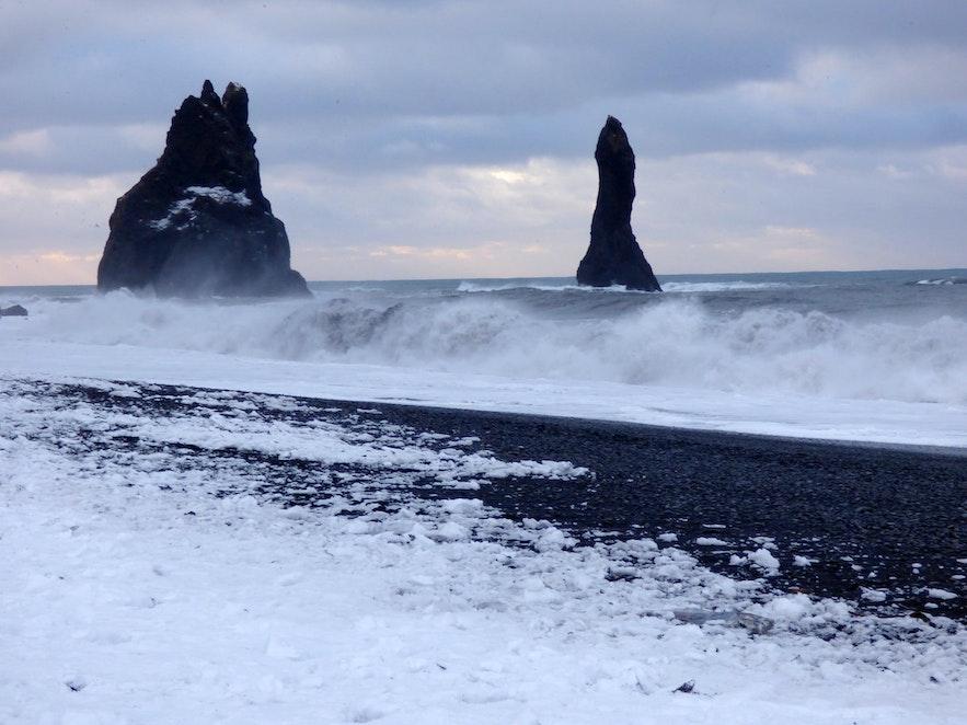 冰島三月黑沙灘